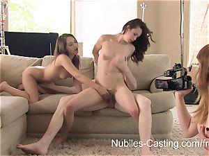Having joy with 2 nubile femmes
