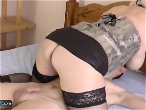 AGEDLOVE towheaded mature Lacey starlet
