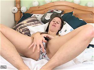 Maya Bijou pops with rigid contractions