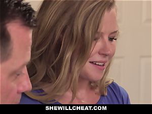 SheWillCheat - Squirty wife Gets Slayed By Internet dude