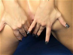 Jessa Rhodes strips to plaything her raw gash