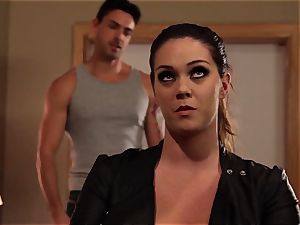 Alison Tyler makes her her boy doesn't stray