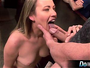 scorching wife Daisy Layne plows and slurps jism
