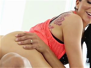 Yoga lovelies Romi Rain and Summer Brielle pounded by the trainer