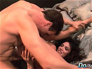 cheating wifey Ariella Ferrara pulverize boy