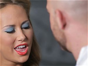 Penny Pax and Carter Cruise service a ample sausage