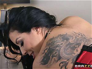 Phoenix Marie presents Kiara Mia to rectal