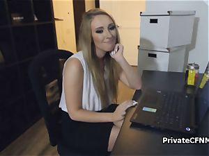 bubble ass secretary leans for bosses full salute