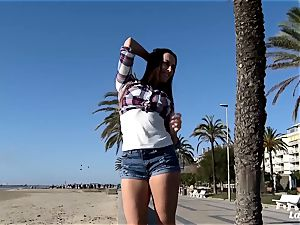 LA beginner - inexperienced Mea Melone penetrated by camerist