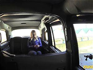 fake cab blond gets backseat discount
