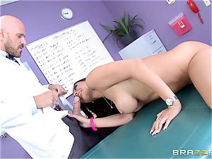 snatch luving Rachel Starr gets a taste of thick hard fuck-stick
