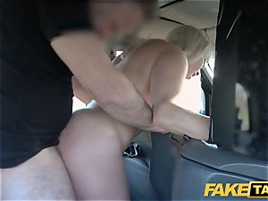 fake cab blonde cougar Victoria Summers banged in a cab