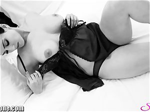 Sunny Leone in her new ebony